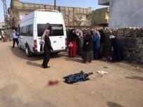 SERVİS ARACI - İdil'de Servis Aracının Çarptığı Çocuk Öldü