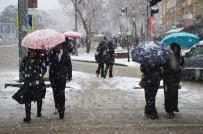 Isparta'ya Mart Ayında Kar Sürprizi