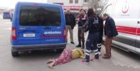 JANDARMA KARAKOLU - Kaçarken Yakalanan Halı Hırsızları Gazetecilere Terlikle Saldırdı