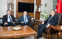 TEMEL KARAMOLLAOĞLU - Karamollaoğlu'ndan Vali Taşyapan'a Ziyaret