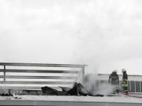 Lastik Deposunda Korkutan Yangın