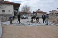 SINDELHÖYÜK - Sindelhöyük Mahallesinde Yol Ve Temizlik Çalışmaları