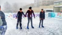 BUZ PATENİ - Süleymanpaşa Çocuk Kulübü Üyeleri Buz Pistinde Keyifli Anlar Yaşadı