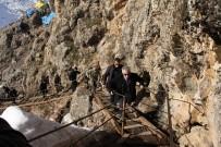 ÖZEL HAREKET - Vali Toprak'tan Kahraman Askerlere Ziyaret