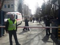 İLETİŞİM FAKÜLTESİ - Ankara Üniversitesinde 'Öcalan'a İdam' Pankartı Asan Öğrencilere Saldırı
