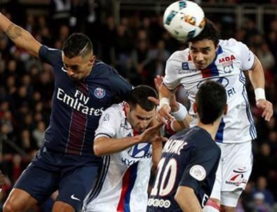 Beşiktaş'ın rakibi Lyon, PSG'ye 2-1 yenildi