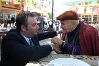ÇAM SAKıZı - Buca Belediyesinden 65 Yaş Üstü Vatandaşlara 'Çay' Jesti