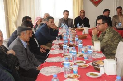 Cizre'de Şehit Ve Gazi Yakınları Yemekte Bir Araya Geldi