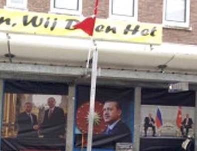 Hollanda'da Erdoğan posterine operasyon