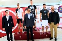 İŞİTME ENGELLİLER - İşitme Engelli Yüzücüler Keçiören'de Buluştu
