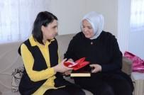 ÖZEL HAREKET - Keşir'den Şehit Ailelerine Türk Bayrağı Ve Kur'an-I Kerim