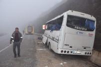 Maden işçilerini taşıyan minibüs kaza yaptı: 2 ölü, 24 yaralı