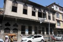 Metruk Binalar Korku Saçıyor