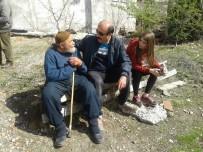 VATANDAŞLıK - Niksar'da Öğrenciler Yaşlıları Unutmadı