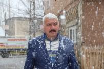 KAZMA KÜREK - Oltu'da Kar Yağışı Etkili Oldu