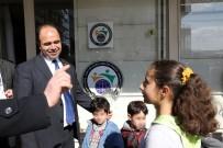 KIZ ÇOCUĞU - Yardım Yapılan Suriyeli Çocuk, İstiklal Marşı'nı Ezbere Okuyarak Teşekkür Etti