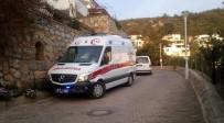 ALZHEIMER - Yolda Buldukları Alzheimer Hastasını Evine Götüren Polisler Şoke Oldu
