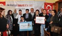 NECDET ÜNÜVAR - AK Parti'den Down Sendromlu Çocuklara Yemek