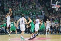 EUROLEAGUE - Anadolu Efes Play-Off Yolunda Bir Engeli Daha Aştı