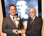 TÜRKIYE BASKETBOL FEDERASYONU - Başkan Atila'ya Basketbol Oskarı
