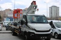 İŞ MAKİNESİ - Melikgazi Belediyesine 2 Seyyar Tamir Aracı İle 1 Ağaç Budama Aracı Alındı