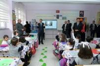 PIYADE - Okuma Yazmayı Öğrendiler, Vali Çelik'i Sınıflarına Davet Ettiler
