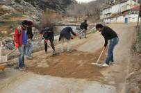 BÜYÜKŞEHİR YASASI - Akşehir Belediyesi Kilitli Taş Çalışmalarını Sürdürüyor