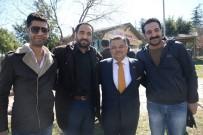 SELIM YAĞCı - Başkan Yağcı Ve AK Parti Teşkilatı Kuaför Esnafıyla Buluştu
