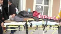 CELEP - Demir Kapının Altında Kalan Kişi Yaralandı