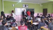 İMAM HATİP LİSESİ - Ergani'de Bin 500 Öğrenciye Giyim Ve Kırtasiye Yardımı
