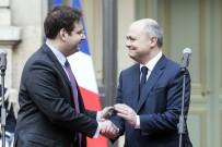 DEVİR TESLİM - İstifa Eden Fransız Bakan Görevi Devretti