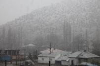 KAR KALINLIĞI - Kar, Beytüşşebap'ı Beyaza Bürüdü