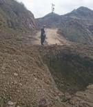 SUBAŞı - Kazı Çalışması Yolu Ulaşıma Kapattı