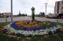 KENT ORMANI - Kepez Belediyesi İlçeyi Çiçeklerle Donattı