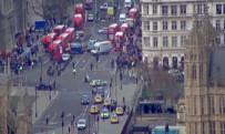 METRO İSTASYONU - Londra'da Silahlı Saldırı