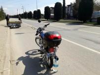 Motosiklet Hurda Arabasına Çarptı Açıklaması 1 Yaralı