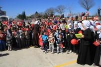 YıLDıRıM BEYAZıT - Mülteci Çocuklar Barışın Sembolü Zeytin Fidanlarını Toprakla Buluşturdu