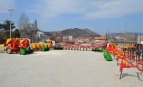 SÜT ÜRETİCİSİ - TİKA'dan Mitroviçali Çiftçilere Destek