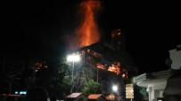 ELEKTRİK KONTAĞI - Yunanistan'da Beyazıt Camii'nde Yangın