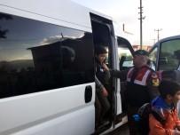 SERVİS ARACI - Jandarma Servis Araçlarında Denetimlerini Sürdürüyor