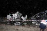 TİCARİ ARAÇ - Manisa'da Katliam Gibi Kaza Açıklaması 2 Ölü, 10 Yaralı