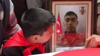 TUGAY KOMUTANI - Suriye Sınırında Şehit Olan Asker Son Yolculuğuna Uğurlandı