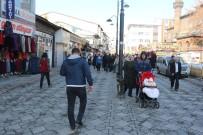 GÜNEŞLI - Ağrı'da Vatandaşlar Güneşin Tadını Çıkardı