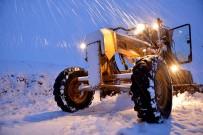 İŞ MAKİNESİ - Ağrı İl Özel İdare 2016-2017 Kış Sezonunda 33 Bin Km Yol Açtı