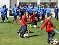 SERDAR ÖZKAN - Antalyaspor'da Neşeli Antrenman