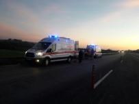 HASAN KESKIN - Çanakkale-İstanbul Yolunda İki Ayrı Kaza Açıklaması 1 Ölü, 6 Yaralı