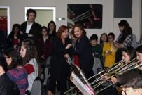 SENFONI - Dünyaca Ünlü İkili, Harika Çocukları Ziyaret Etti