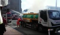FATİH BELEDİYESİ - Fatih'te Karton Kağıt Toplayan Geri Dönüşüm Aracında Yangın Çıktı