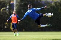 İSMAIL KÖYBAŞı - Fenerbahçe, Karabükspor Maçı Hazırlıklarını Sürdürdü