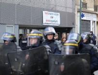 İCRA MEMURU - Fransa'da caminin kapısına kilit vuruldu